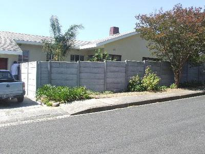 Property For Rent in Bellville, Blomtuin